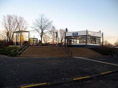 Station #Haren is het spoorwegstation in het Groningse Haren. Het ligt aan Staatslijn C tussen #Groningen en #Assen. Het huidige station, type sextant, dateert uit 1968.