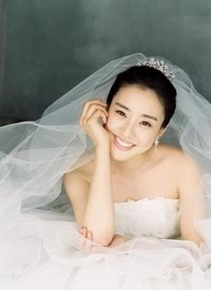 Korea Pre-Wedding Photoshoot - WeddingRitz.com » KimchungKyung- Korean wedding make-up & hair