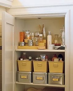 Previous Pinner....I Love The Use Of The Baskets Plus The Drawer Units.  Pretty But Also Very Functional. Must Do This To Our Untility Room And Our U2026