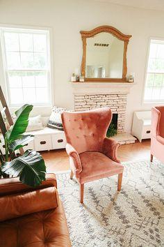 pink velvet chair, m