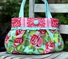 Short & Sassy Pleated Handbag | Craftsy