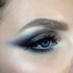 I love how realistic this looks. It isn't some airbrushed perfection but a beautiful REAL rendition | blue violet smokey