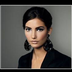 Bobbi Brown Cosmetics - Perfect evening look.