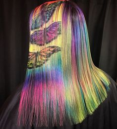 Hair stenciling is exactly what it sounds like; stencils are used to paint beautiful and colorful patterns on the hair. Here are 20 hair stenciling ideas you'll love! Cute Hair Colors, Pretty Hair Color, Hair Dye Colors, Red Hair Color, Blue Hair, Hair Stenciling, Exotic Hair Color, Pelo Multicolor, Grunge Hair