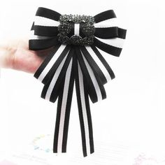 Black and white stripe gucci inspired bow brooch pin White Bow Tie, Black And White Ribbon, Black White, Women's Brooches, Brooches Handmade, Women's Neck Ties, Bow Ties, Brooch Corsage, Brooch Pin