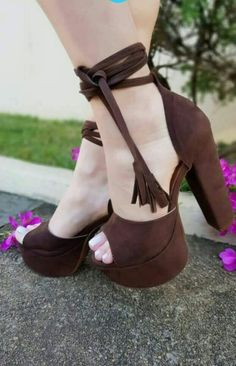 Our new Collection of women's High Heel sandals and shoes. We have of styles from wedge heel, stiletto heel, platform shoes, and more. Dream Shoes, Crazy Shoes, Shoe Boots, Shoes Heels, Heeled Sandals, Sandals Outfit, Cute High Heels, Womens High Heels, Beautiful Shoes