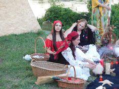 L-am lăsat baltă pentru că era neserios și laș – Top vrăjitoare online. Straw Bag, Portal, Bbc, Russia, Europe