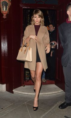 Taylor Swift Steps Out in the Perfect Fall Mini-Skirt (Bonus: It's Only $33)  - MarieClaire.com
