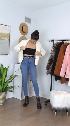 Kleider mit Lieferwagen Timeless Trend: Outfit Video With Denim! Classy Work Outfits, Business Casual Outfits, Casual Fall Outfits, Classic Outfits, Stylish Outfits, Denim Outfits, Outfit Jeans, Summer Outfits, Teen Fashion Outfits