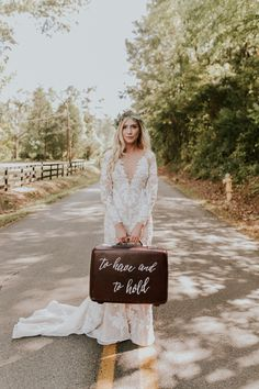 Bohemian bridal style   Image by Vic Bonvinci Photography