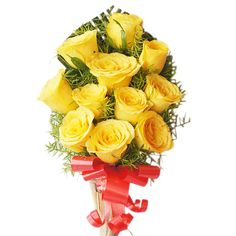 12 yellow roses tied in a bunch. Awesome for Rose Day gift. #RoseDay