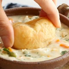 Slow Cooker Chicken Pot Pie Soup – low maintenance creamy winter comfort food, made from scratch! Slow Cooker Chicken Pot Pie Soup – low maintenance creamy winter comfort food, made from scratch! Crock Pot Slow Cooker, Crock Pot Cooking, Slow Cooker Recipes, Cooking Recipes, Healthy Recipes, Slow Cooker Recipe Videos, Cooking Games, Milk Recipes, Chicken Pot Pie Soup Recipe Slow Cooker