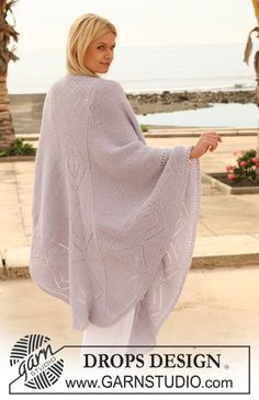 "DROPS shawl in garter st with lace pattern in ""Alpaca"". ~ DROPS Design - free"