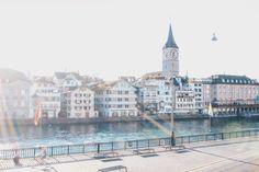 Zurich Zürich Limmat Lindenhof Polyterrasse Sechsilüteplatz Opernhaus Rennweg Louvre, Mansions, My Love, House Styles, Building, Travel, Home Decor, Patio, Opera House