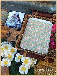 "Sobres de flores ""Liberty"" de 18,5 cms X 13 cms pedidos y catálogo: detallisime@yahoo.es"