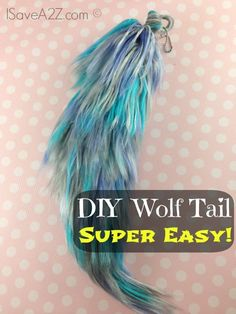 Costume Wolf Tail Tutorial – made with YARN! Costume Wolf Tail Tutorial – made with YARN! Halloween Kostüm, Holidays Halloween, Halloween Makeup, Halloween Costumes, Couple Halloween, Unicorn Halloween, Cat Costumes, Grease Costumes, Carnival