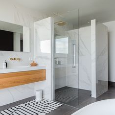 Glass Shower Doors, Bathroom Toilets, New Homes, Bathroom Vanity, Shower Doors, Bathroom Interior, Small Bathroom, Home Deco, Bathroom Decor