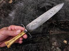 Contemporary Makers: Knives by Ian Pratt Types Of Knives, Knives And Swords, Shooting Equipment, Combat Knives, Knife Art, Knife Sharpening, Custom Knives, Chef Knife, Japanese Design