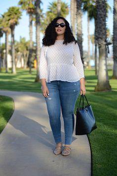 Trendy plus size fashion - curvy jeans for women - ideas of curvy jeans for wome Look Plus Size, Curvy Plus Size, Plus Size Jeans, Curvy Fit, Curvy Outfits, Trendy Outfits, Fashion Outfits, Casual Plus Size Outfits, Fashion Trends
