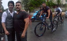 Riders on the storm: Salman Khan, Shah Rukh Khan's early morning cycle ride together