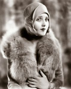 Vintage Fashion Beautiful Fashion of the -Kay Francis photographed in Vintage Hollywood, Hollywood Glamour, Hollywood Stars, Hollywood Actresses, Vintage Glamour, Vintage Beauty, Belle Epoque, 20s Fashion, Vintage Fashion