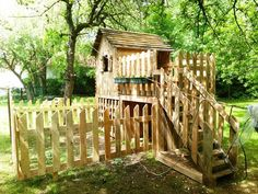 Pallet Playhouse for Kids - 20 Pallet Ideas You Need To DIY Now | 101 Pallet Ideas