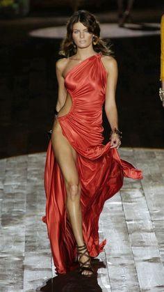 Pretty Dresses, Sexy Dresses, Beautiful Dresses, Evening Dresses, Fashion Dresses, Red Fashion, Couture Fashion, Runway Fashion, High Fashion