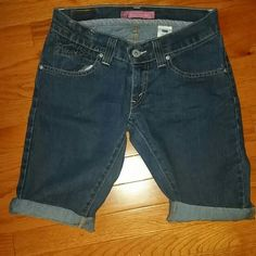 Levi's Bermuda shorts 7 Excellent condition Levi's Jeans