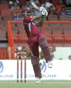 West Indies v Pakistan 2nd ODI: Here, Dwayne Bravo pulls ferociously a short ball from Asad Ali over mid-wicket for 4 runs.