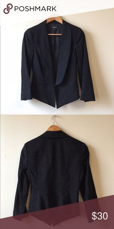 Bebe blazer Size 6. Perfect condition. Front clasp closure. Girl boss attire. bebe Jackets & Coats Blazers