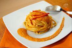 I bigoli sono un formato di pasta fresca di origine veneta  ottenuti tramite torchio e simili a grossi spaghetti  dalla superficie piuttosto ruvida, ottima per trattenere al meglio i sughi e le salse.