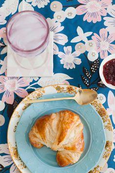 DIY Fabric Coasters Via Freutcake
