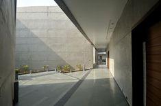 sanjay puri architects the courtyard house designboom