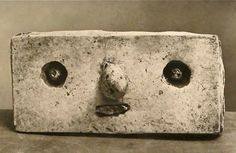 MONDOBLOGO: skulls, heads, faces, and one asshole....
