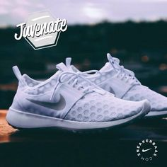 #nike #juvenate #white #sneakerbaas #baasbovenbaas  Nike Juvenate- The Nike Juvenate has a extremely flexible and ventilated design. Now finally released in a clean, white colorway.  Now online available | Priced at 94.99 EU | Men Sizes 36.5 - 42 EU |