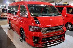 GIBSON(ギブソン)カスタムハイエース GRAFAM Gren GT シート:BRIDE 東京オートサロン2017出展車両