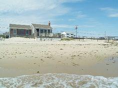 Beachfront Vacation Cottage on Nantucket Sound Dennisport 2800