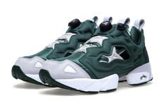 """Reebok Pump Fury """"Racing Green"""": Seen here in a new racing green, white and steel colorway, the Reebok Pump Fury returns for 2013 Reebok Pump Fury, Reebok Insta Pump, Me Too Shoes, Men's Shoes, Shoes Sneakers, Instapump Fury, Best Sneakers, Sport Fashion, Types Of Shoes"""