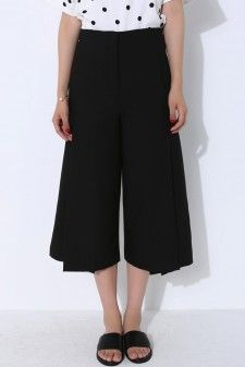 Black Pleated Front Culotte Pants  Price: USD 19.6+Free Shipping #pleatedpants #frontpleated #pleated culottes
