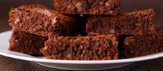 Brownies Gevuld Met Witte En Bruine Chocoladestukjes recept | Smulweb.nl