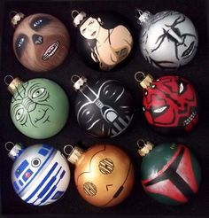 Lots of Star Wars hand painted ornaments! R2D2, C3PO, Vader ...