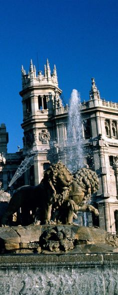 Cibeles Fountain in Cibeles Square at Paseo del Prado. Madrid   Spain