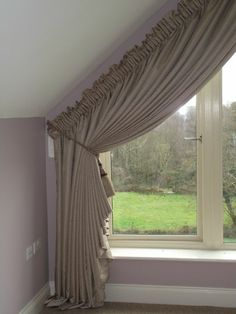 idee f r dreiecksfenster verdunkeln mit gardine home stuff pinterest window curtains and. Black Bedroom Furniture Sets. Home Design Ideas