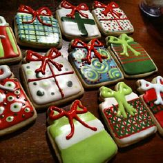 Sugar cookies for Christmas Repinned By:#TheCookieCutterCompany