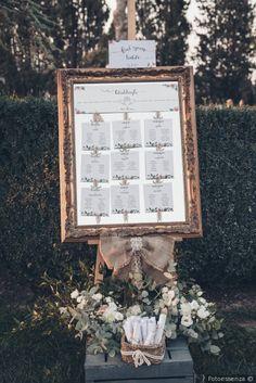 Tableau de mariage con cornice e specchio per un matrimonio a stile chic