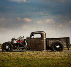 time to do a rat rod. I think this truck is amazing