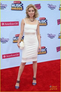 Grace Phipps at the Radio Disney Music Awards 2015