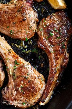 Whether you decide to grill them or fry them in a cast iron skillet (or regular pan), these homemade Greek Lamb Chops are a family favourite! Oven Baked Lamb Chops, Lamb Chops Slow Cooker, Roasted Lamb Chops, Slow Roast Lamb, Grilled Lamb Chops, Lamb Ribs, Recipe For Baked Lamb Chops, Lamp Chops Recipe, Food Recipes