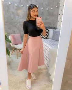 Indian Fashion Dresses, Teen Fashion Outfits, Mode Outfits, Classy Outfits, Stylish Outfits, Modest Fashion, Fashion Shirts, Emo Fashion, Skirt Outfits Modest