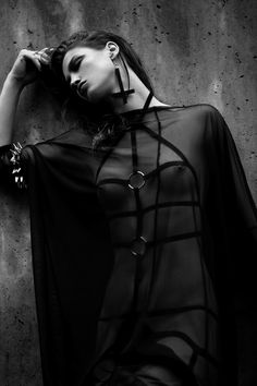 dark fashion black dress V Nu Goth Fashion, Dark Fashion, Fashion Fashion, Macabre Fashion, Fashion Ideas, Fashion Inspiration, Mode Sombre, Porno, Sexy